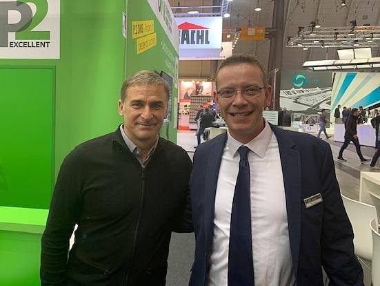 Stefan Kuntz (U21 Fußballnationaltrainer, links) und unser Systemberater Daniel Esser (rechts)