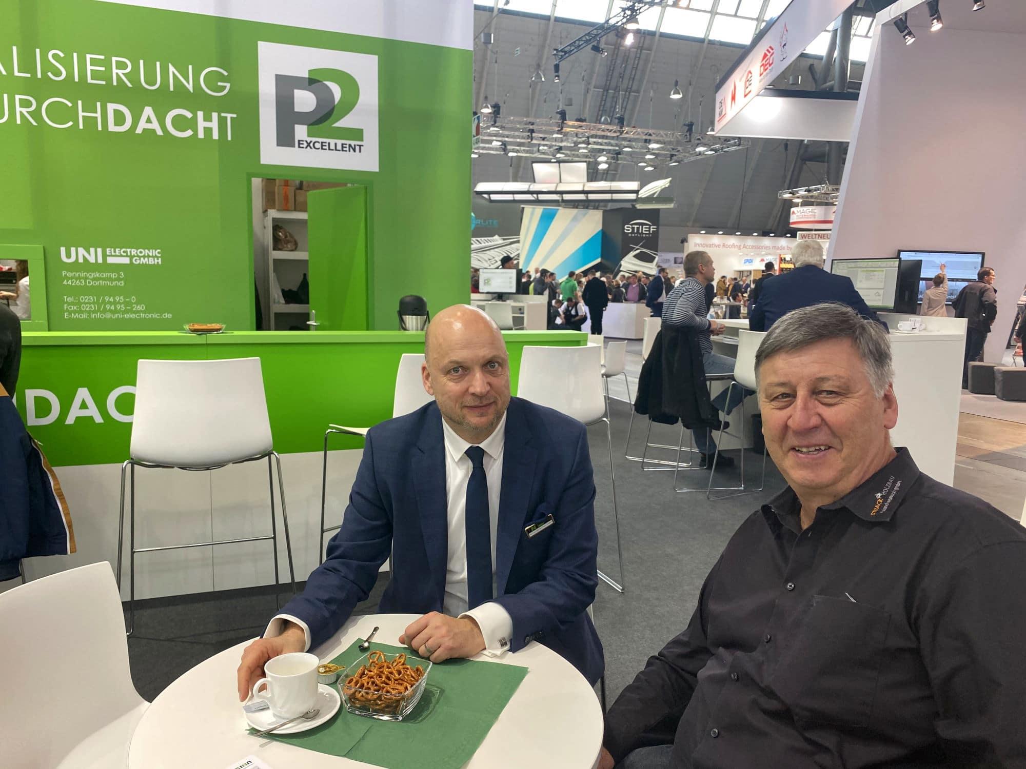 Herr Wunsch von Strack Holzbau aus Baden Baden (rechts) und unser Verkaufsleiter Herr Enders (links)