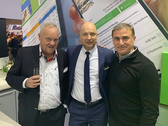 Sportreporterlegende Rolf Töpperwien, unser Verkaufleiter Sven Enders und U21-Fußballnationaltrainer Stefan Kuntz (v.l.n.r.)
